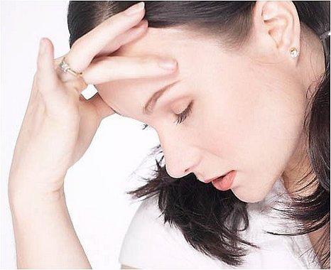 Van gyógymódja a nyári fejfájásnak!