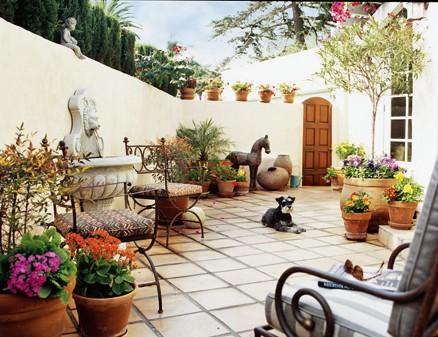 Mediterrán hangulatban, a kertben és teraszon