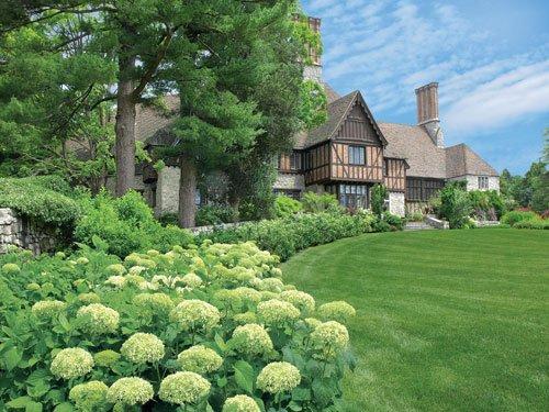 Milyen növényeket ültessünk a kertbe, hogy spórolhassunk a locsolással?