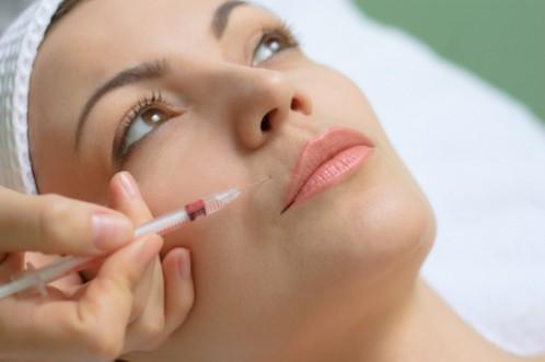 Melyik a hatásosabb ránctalanító: a botox vagy a hialuronsav?