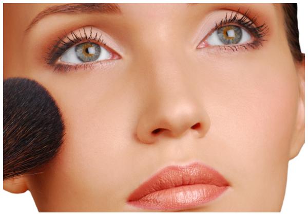 82ca910fd431 Az arcpirosító előtt érdemes lepúderezni a bőrt, mert így még lágyabb és  természetesebb lesz a pirosító hatása, és így éles kontúrok nélkül tudjuk  ...