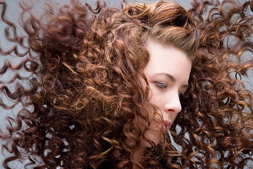 Szeretne ragyogóbb hajat? Akkor próbálja ki az almaecetes öblítést!